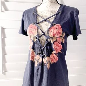 THE CLASSIC LACE UP FLORAL OPEN NAVY TEE SHIRT
